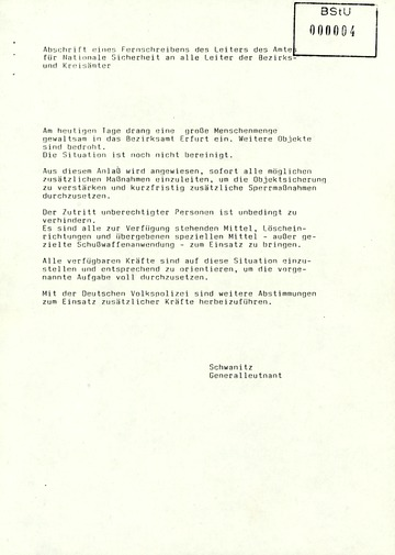 Fernschreiben von Schwanitz an die Leiter der Bezirks- und Kreisämter mit der Anweisung, das Eindringen von Demonstranten zu verhindern
