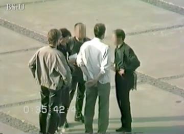 Beobachtung von Personen auf dem Alexanderplatz in Ostberlin am 07. September 1989 - Demonstration gegen die Wahlfälschung