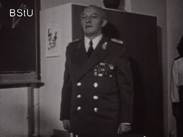 Generalmajor Josef Schütz besucht eine Pionierveranstaltung