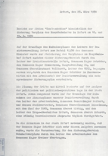 """Sicherung des Bahnhofsvorplatzes in Erfurt während der Aktion """"Konfrontation"""""""