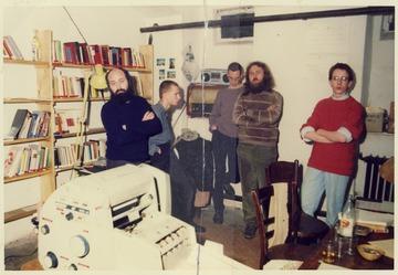 Stasi-Razzia in der Umweltbibliothek der Berliner Zionskirche am 25. November 1987