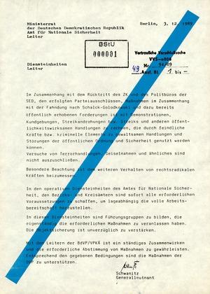 Mitteilung von Schwanitz an die Leiter der Diensteinheiten wegen der Zuspitzung der politischen Krise