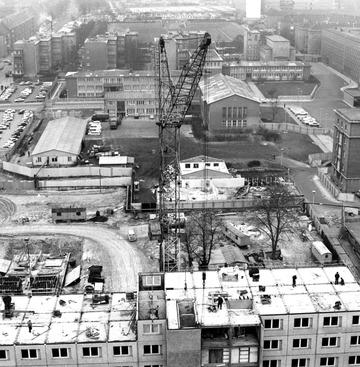 """Luftbild vom Bau von """"Haus 15"""" in der Stasi-Zentrale"""