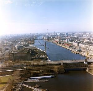 Luftbildaufnahmen des Grenzkontrollhafens der DDR am Osthafen Berlin