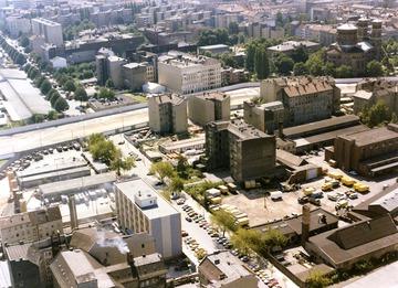 Luftbild der Grenzanlagen in Berlin-Kreuzberg an der Ecke Engeldamm und Köpenicker Straße
