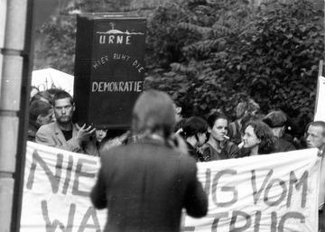 Demonstration gegen Fälschung der Kommunalwahlen 1989