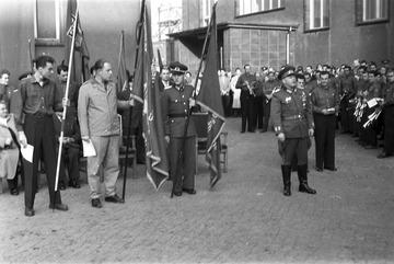 """Feierlichkeiten im Innenhof von """"Haus 2"""" der Stasi-Zentrale"""