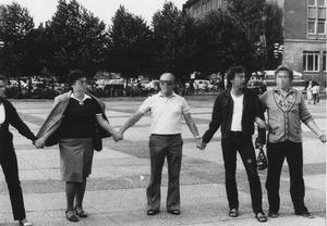 """Demonstration der Aktion """"Weißer Kreis"""" in Jena und Auflösung durch Volkspolizei im Juni 1983"""