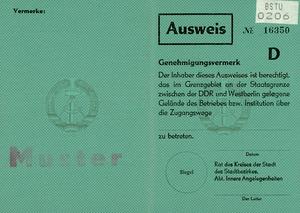 Musterausweis für das Grenzgebiet in Ost-Berlin