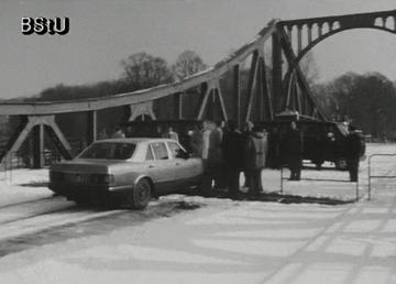 """""""Begrüßung"""" - Agentenaustausch auf der Glienicker Brücke"""