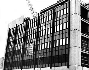 """Bau des Dienstleistungs- und Versorgungsgebäudes (""""Haus 18"""") an der Normannenstraße"""