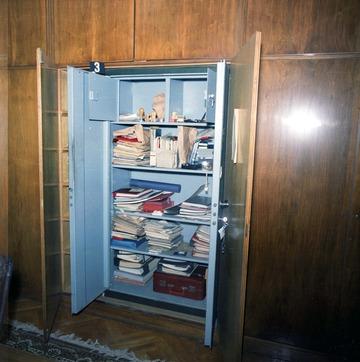 Ehemalige Büroräume Erich Mielkes nach der Auflösung des MfS