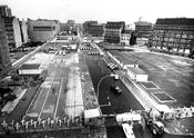 Grenzanlage am Checkpoint Charlie nach dem Mauerbau