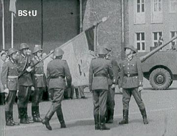 """""""Kühler Kopf, Heisses Herz, Saubere Hände"""" Propagandafilm zum 50. Jahrestag der Oktoberrevolution"""